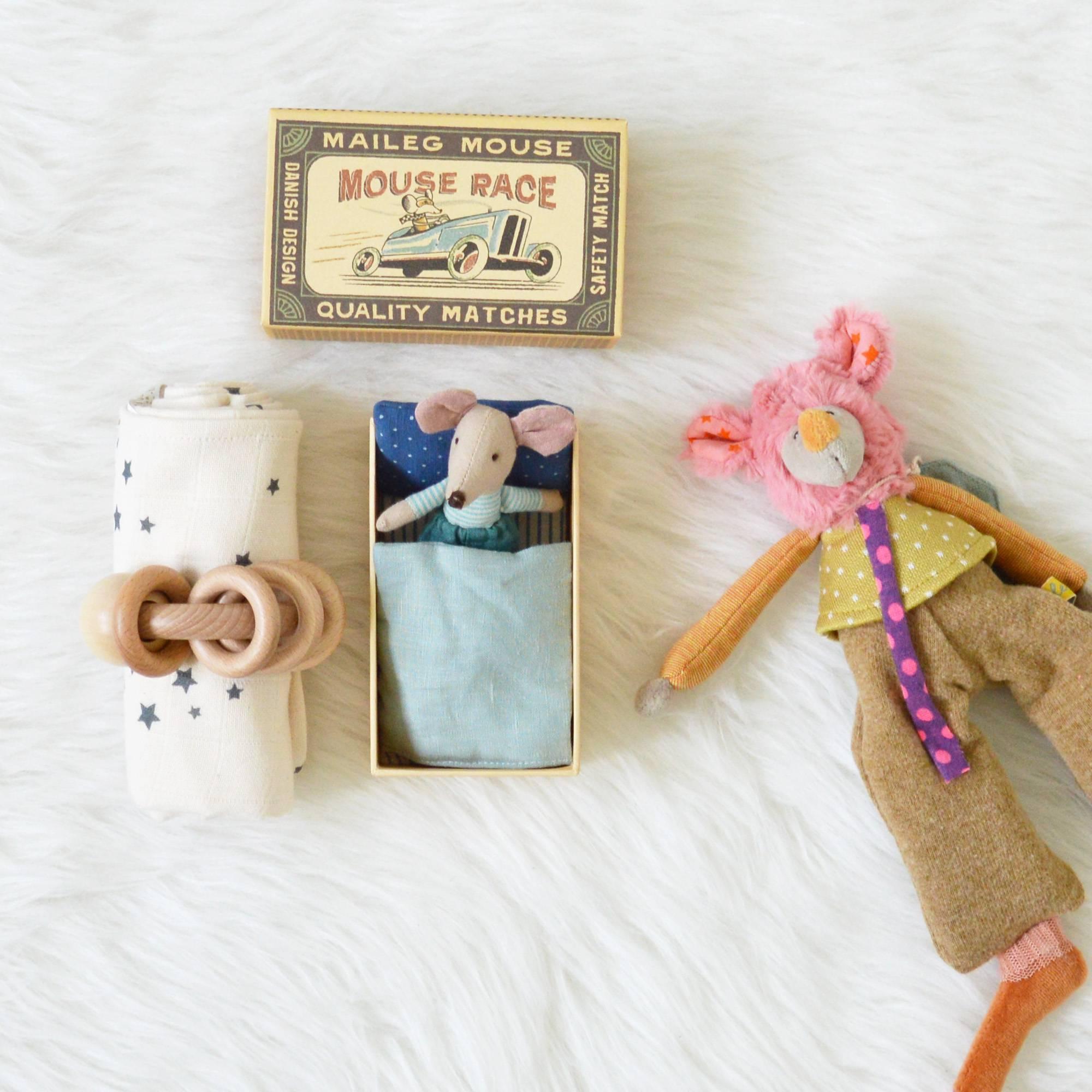 Au reve eveille – coffret cadeau bebe-fratrie dents – visuel coffret souris garcon lange etoiles